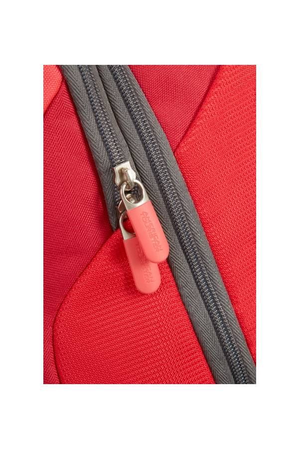 Lifestyle American Tourister Road Quest Solid Red