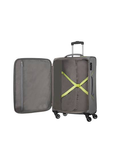 Medium suitcase American Tourister Holiday Heat 67 cm with 4 wheels